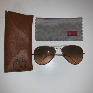 Women's Ray Ban Aviator sunglasses